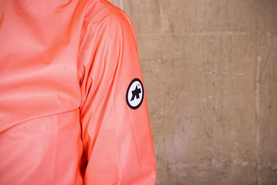 Assos Equipe RS rain jacket - sleeve logo.jpg