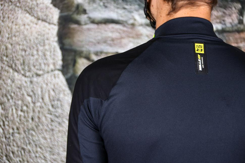 Assos Mille GT Jacket Spring-Fall Fluo Yellow - material panels.jpg
