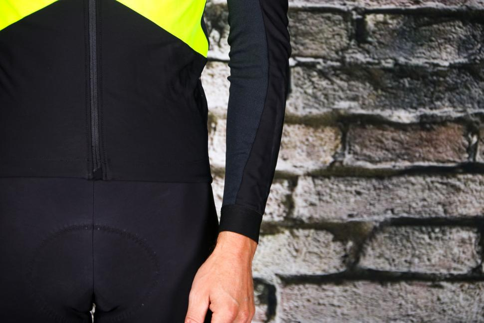 Assos Mille GT Jacket Spring-Fall Fluo Yellow - sleeve.jpg