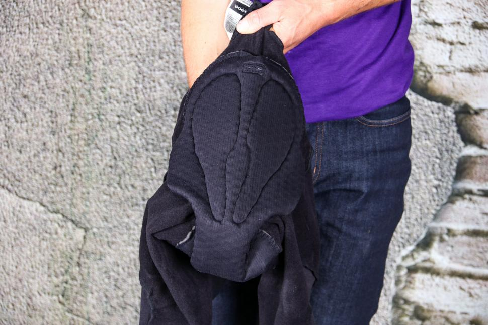 Assos MILLE GT Spring-Fall Knickers - chamois.jpg