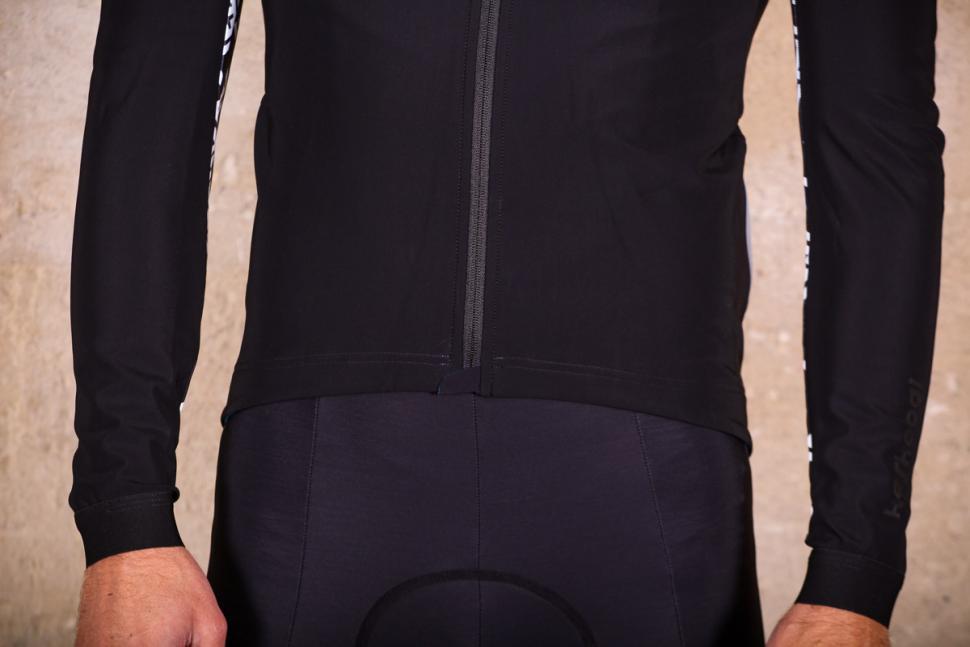 Assos Mille GT winter Jacket - hem.jpg