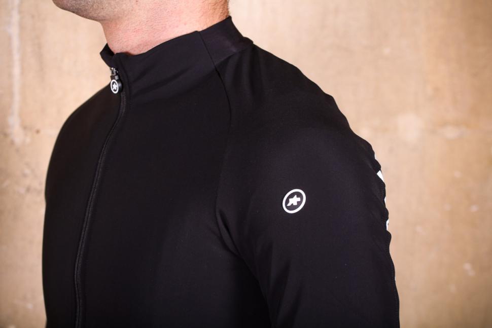 Assos Mille GT winter Jacket - logo.jpg