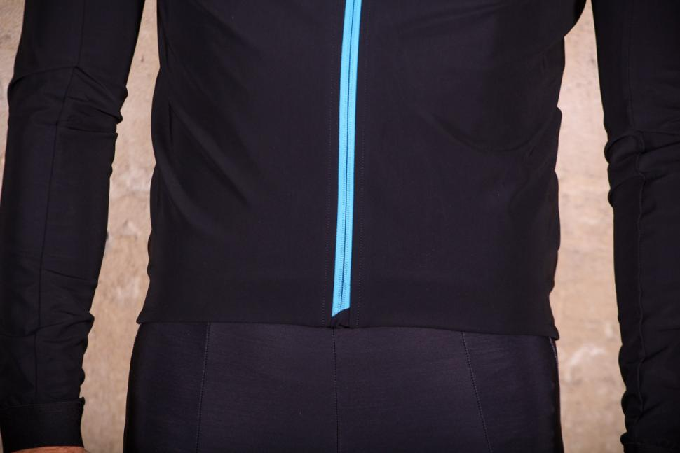 Assos Mille GT winter Jacket Ultra AZ - hem.jpg