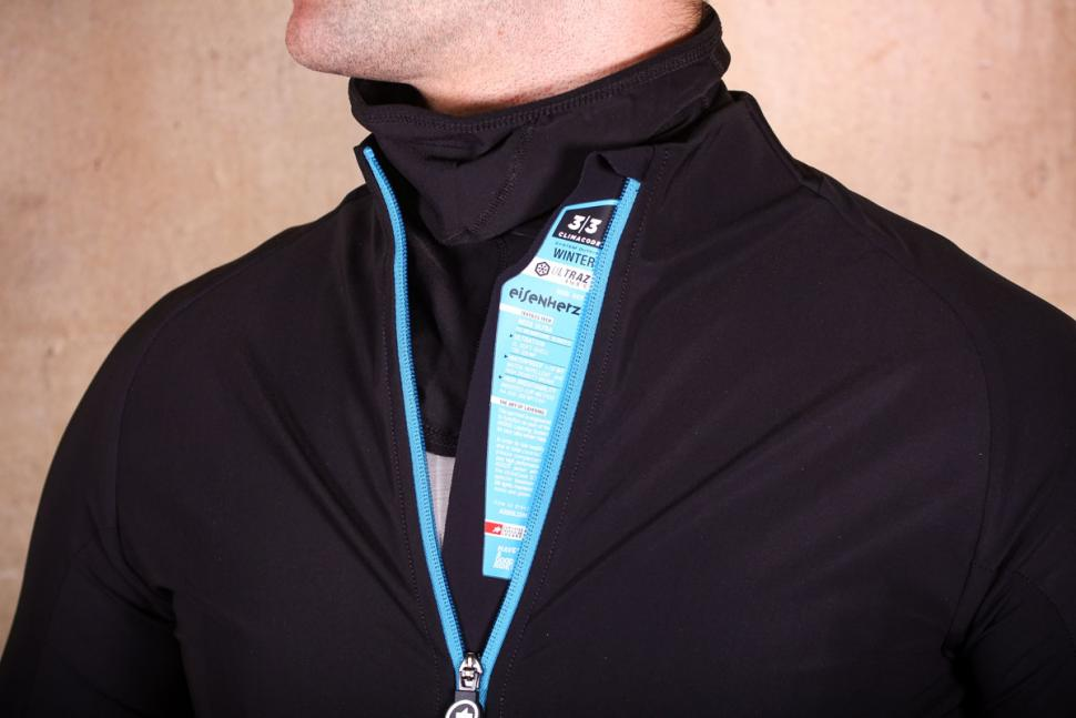Assos Mille GT winter Jacket Ultra AZ - zip detail.jpg