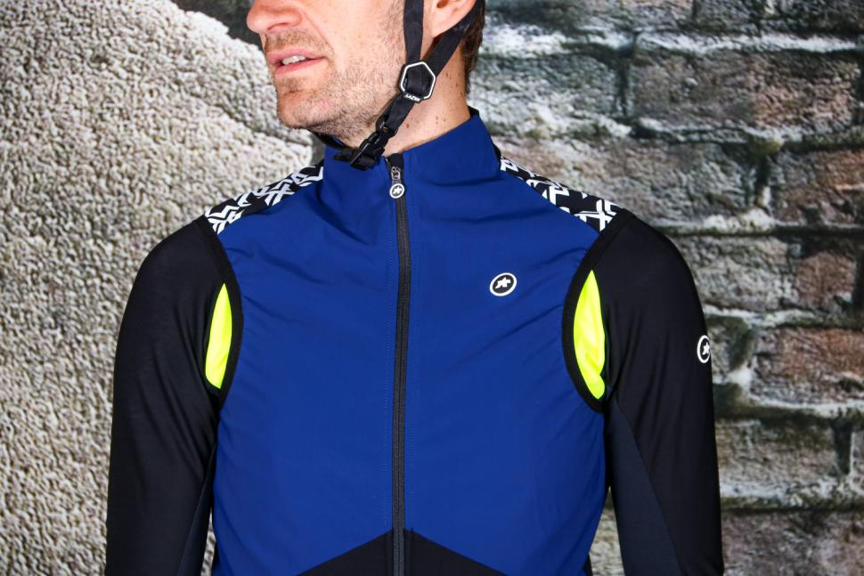 Assos Millie GT Spring-Fall Airblock Vest - chest.jpg