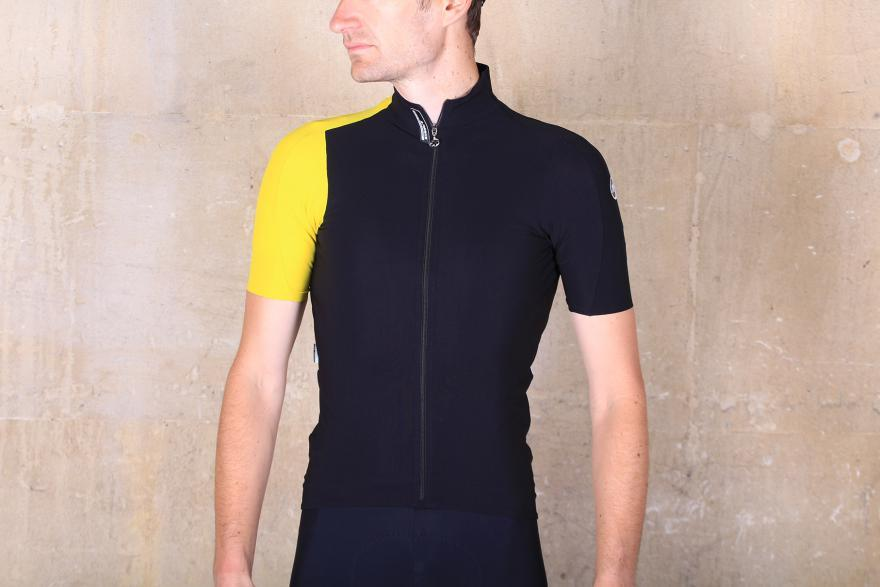 0688d4a3544fa8 Assos 2016 summer clothing - first look