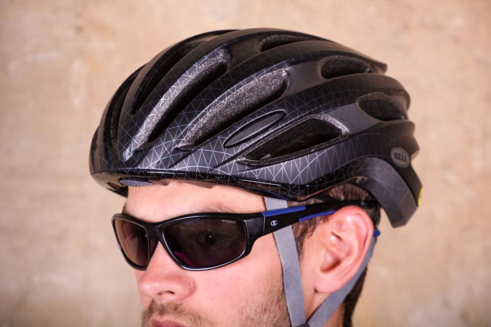 Bell Formula MIPS road helmet 2.jpg