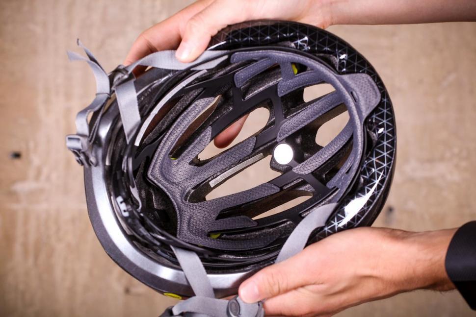 Bell Formula MIPS road helmet - inside.jpg