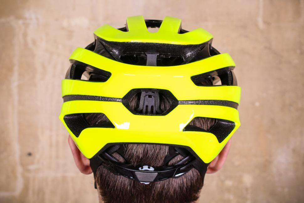 Bell Stratus Mips Helmet - back.jpg