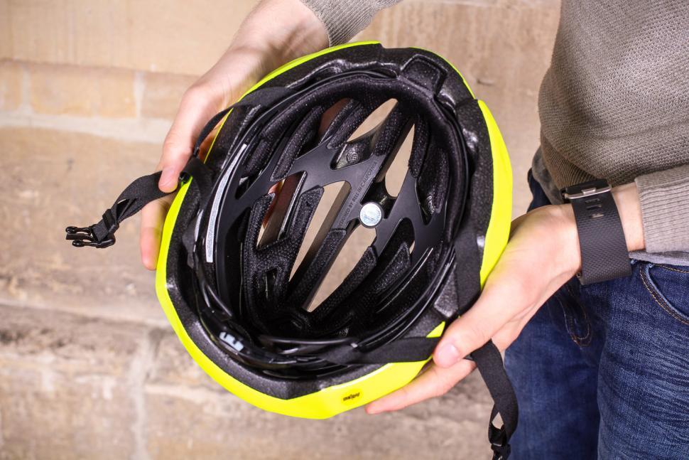 BELL Stratus Helm