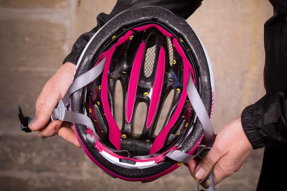 Bell Tempo Mips Universal Womens helmet - inside.jpg