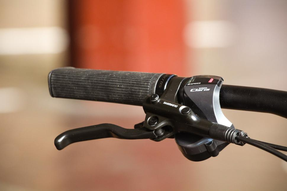 Bergamont Sweep 4 - grip and lever 2.jpg