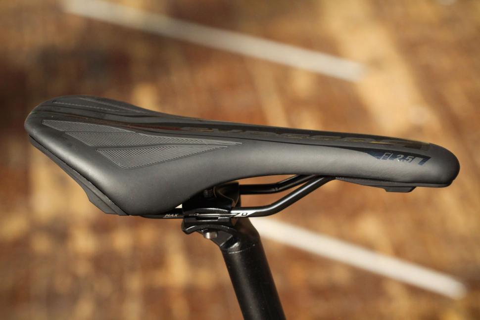 Bergamont Sweep 4 - saddle.jpg