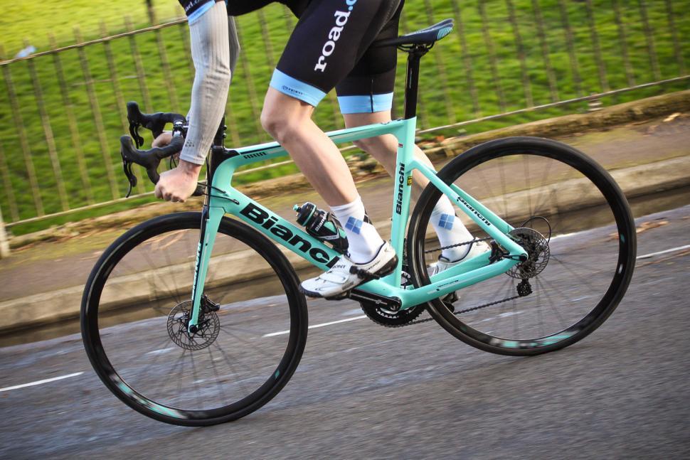 Bianchi Aria Disc - riding 2.jpg