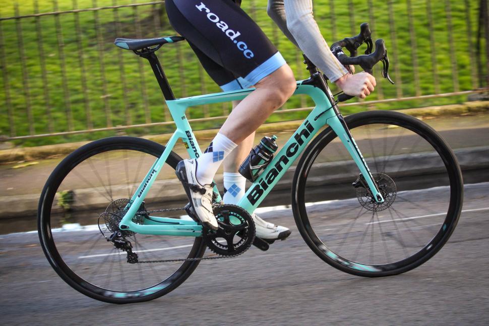 Bianchi Aria Disc - riding 3.jpg