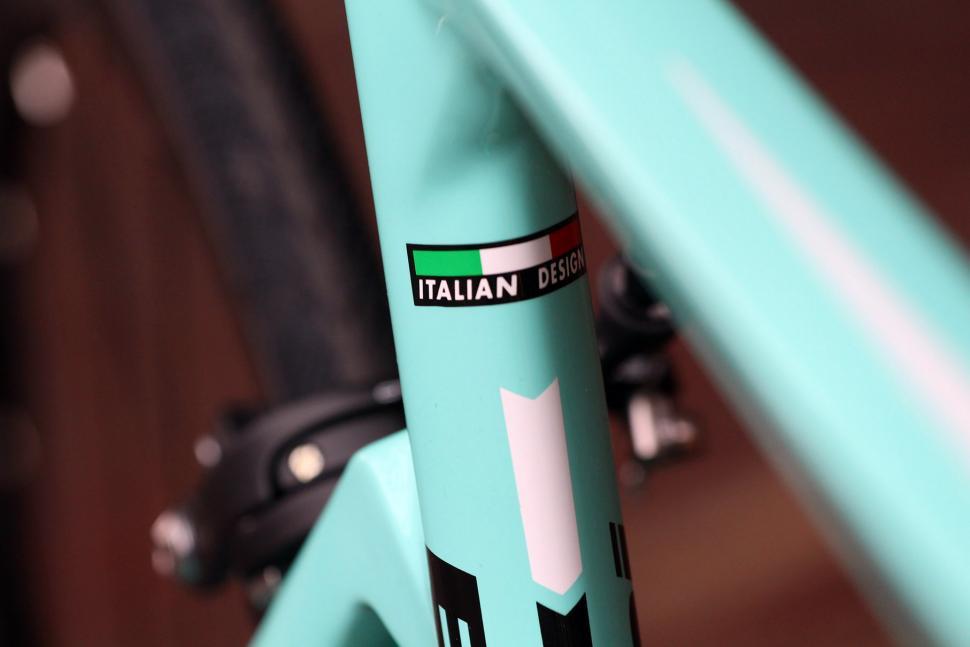 Bianchi Aria - frame detail.jpg