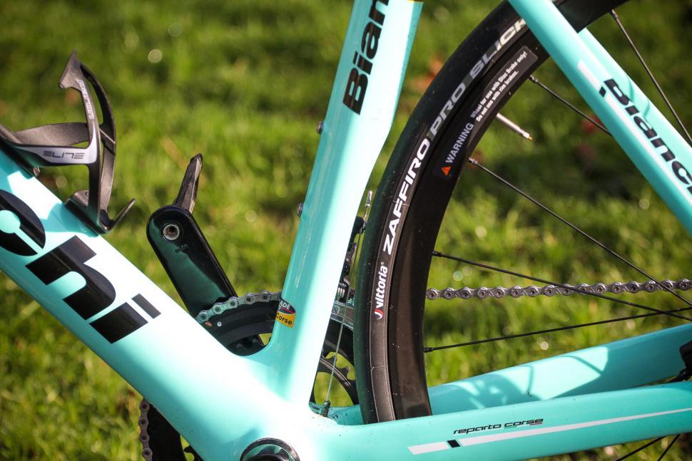 Bianchi Aria Potenza Disc - seat tube shape.jpg