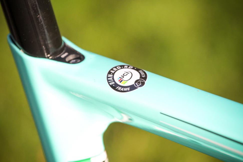 Bianchi Aria Potenza Disc - UCI sticker.jpg