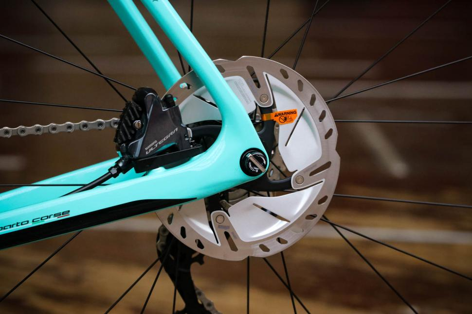 Bianchi Infinito CV Disc Ultegra - rear disc brake.jpg