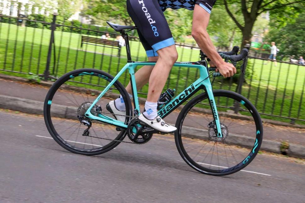 Bianchi Infinito CV Disc Ultegra - riding 3.jpg