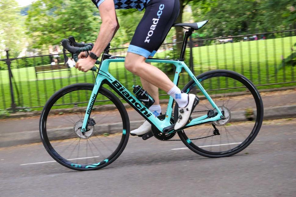 Bianchi Infinito CV Disc Ultegra - riding 4.jpg