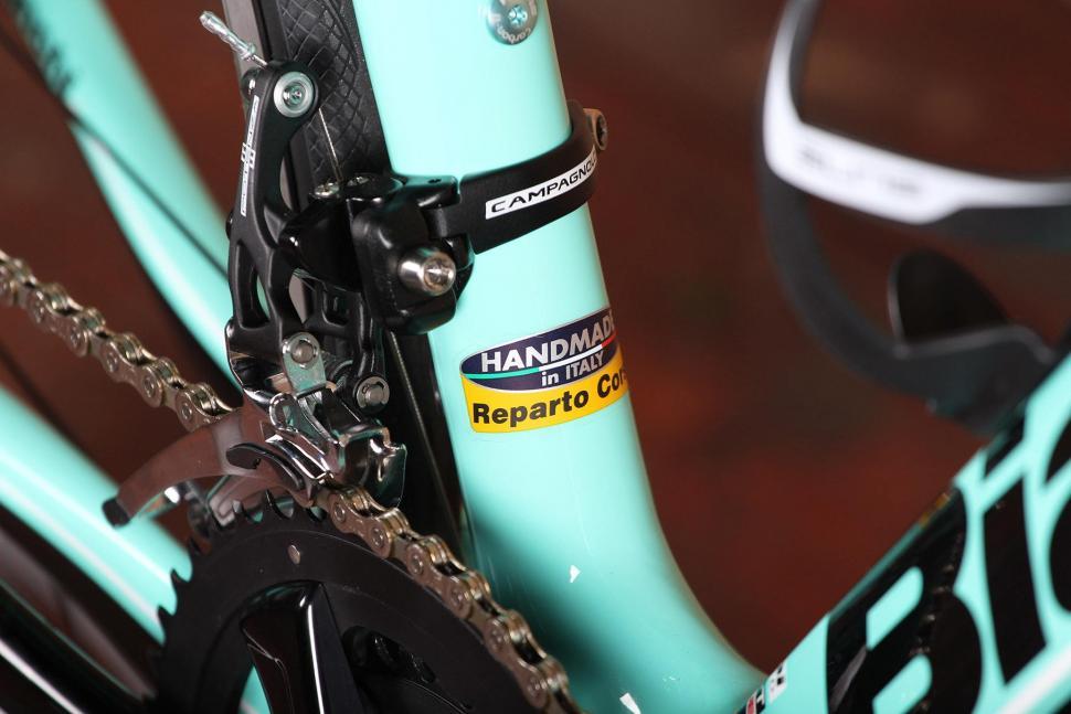 Bianchi Infinito CV Potenza - frame detail 2.jpg