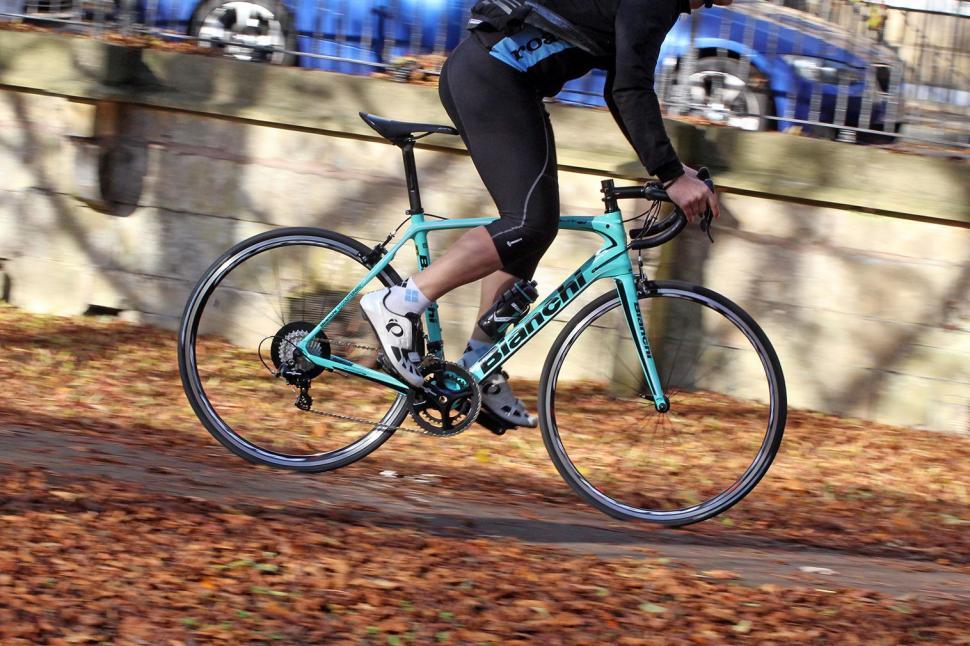 Bianchi Infinito CV Potenza - riding 3.jpg