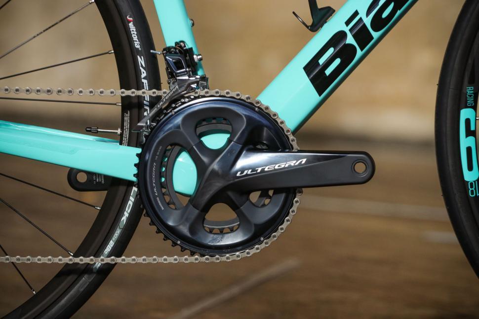 Bianchi Infinito XE - crank.jpg