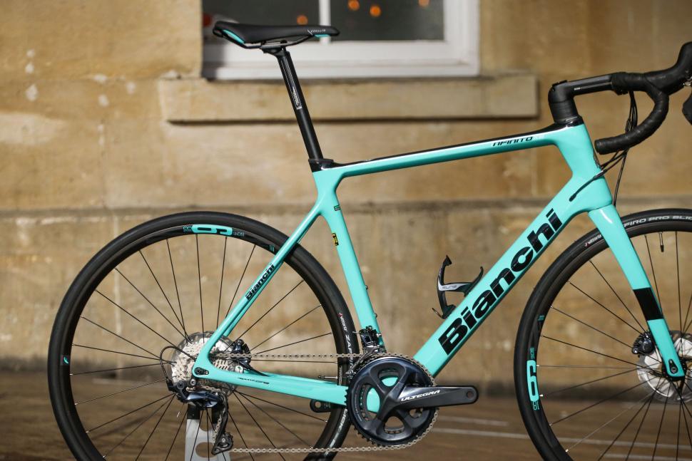 Bianchi Infinito XE - rear.jpg