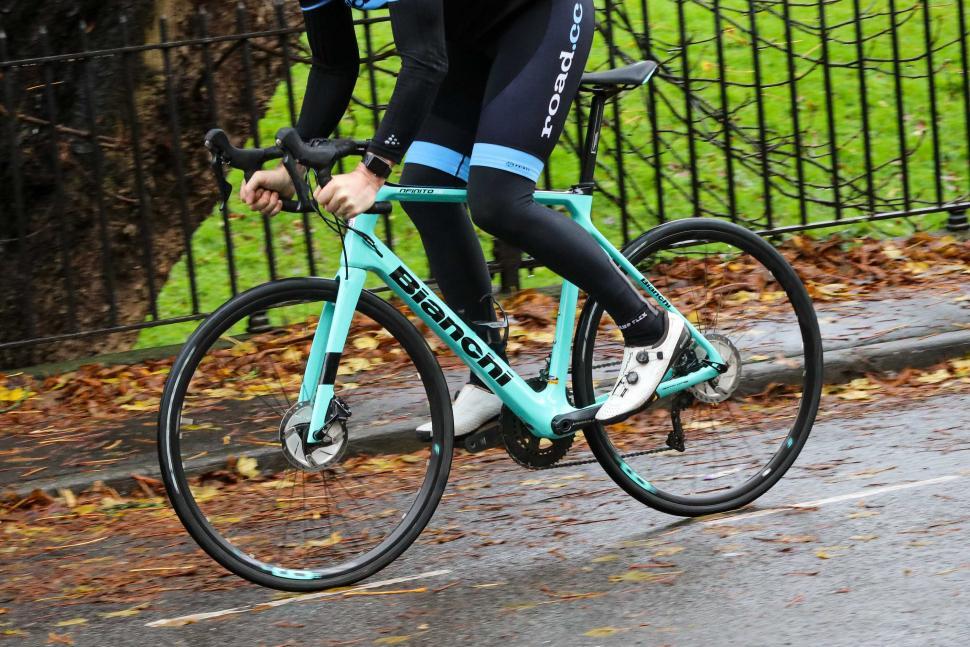 Bianchi Infinito XE - riding 2.jpg