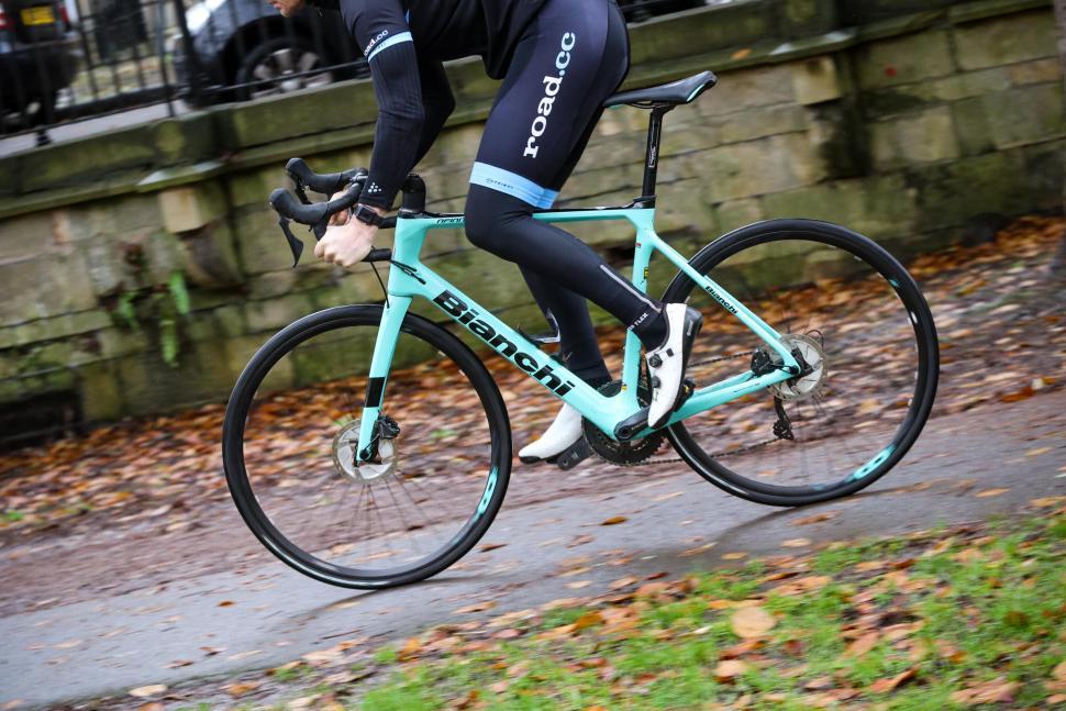Bianchi Infinito XE - riding 4.jpg