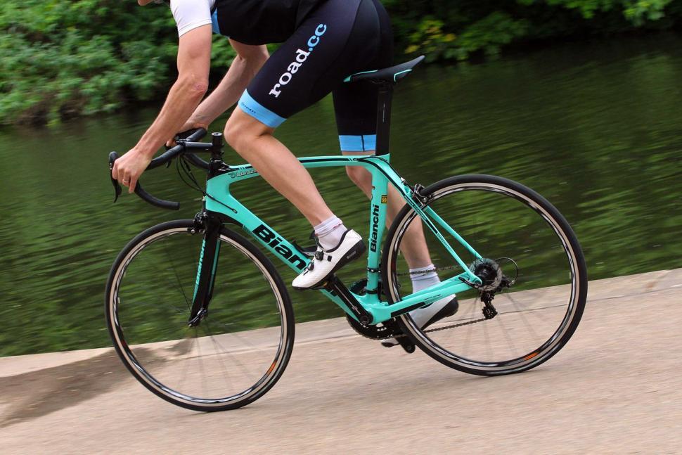 Bianchi Oltre XR3 - riding 2.jpg