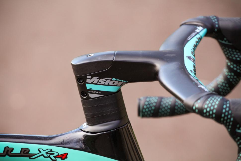 Bianchi Oltre XR4 Disc - stem.jpg