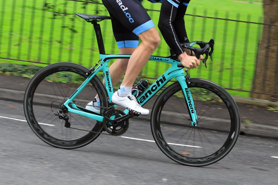 Review  Bianchi Oltre XR4 Super Record  322b0ce8b54