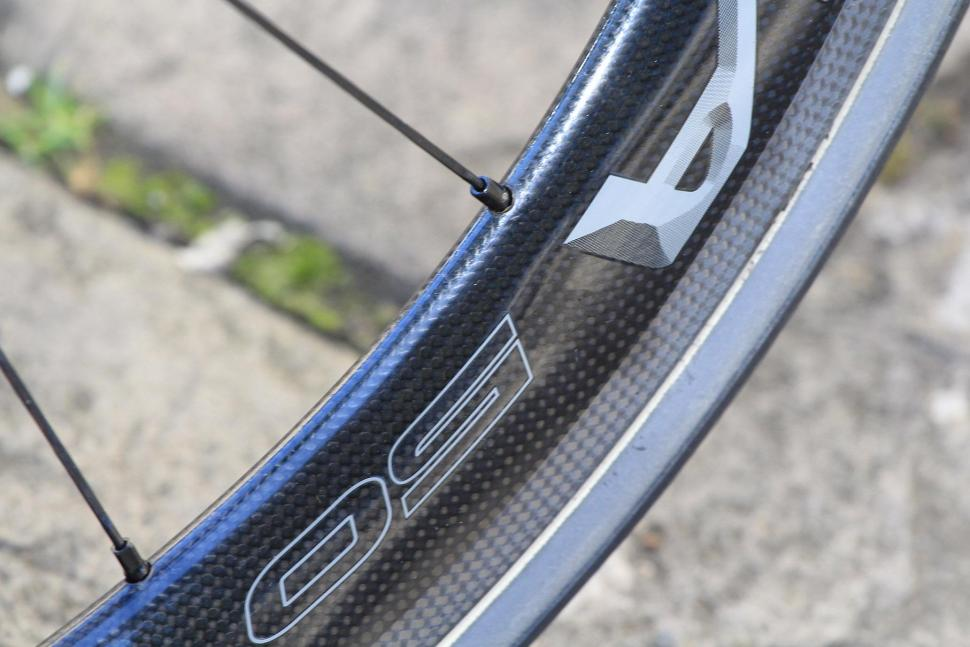 Bianchi Oltre XR4 - rim detail.jpg