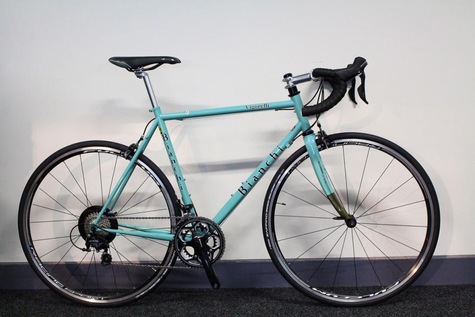Bianchi Vigorelli - full bike (1).jpg