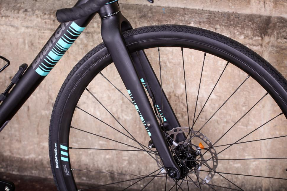 bianchi_via_nirone_7_all_road_-_fork.jpg