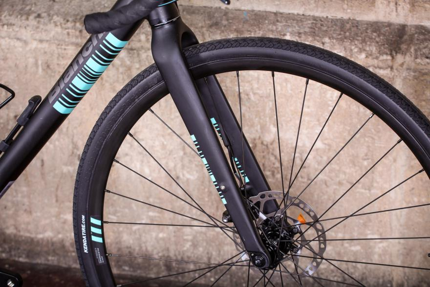 bianchivianirone7allroad-fork.jpg