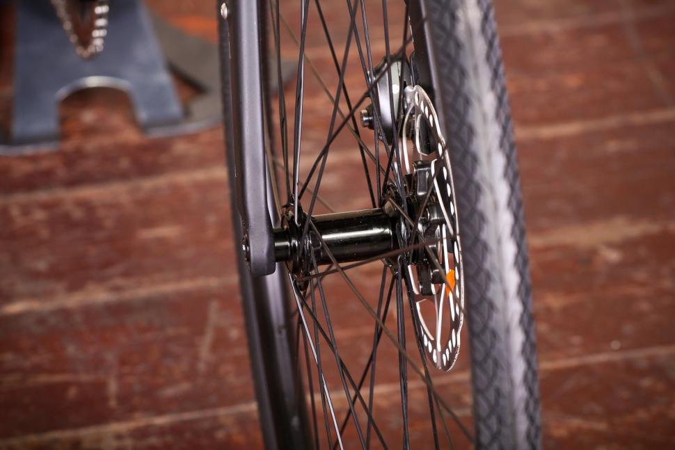 bianchi_via_nirone_7_all_road_-_front_hub.jpg