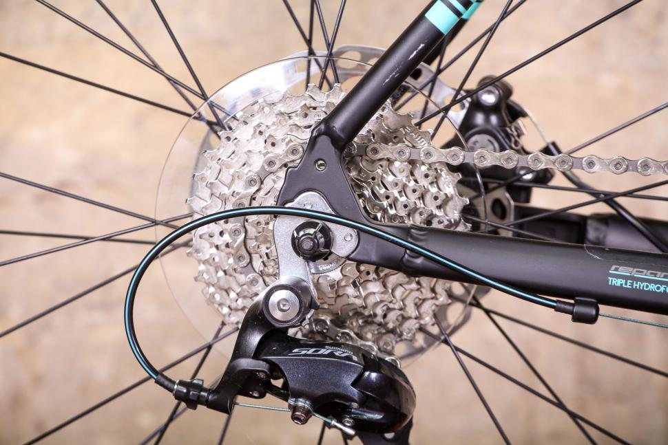 bianchi_via_nirone_7_all_road_-_rear_cassette.jpg