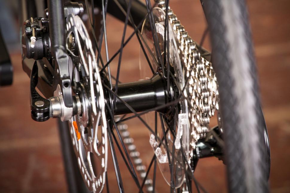 bianchi_via_nirone_7_all_road_-_rear_hub.jpg