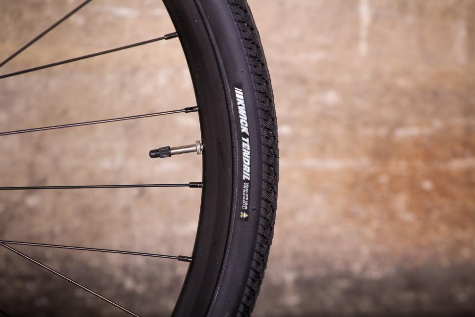 bianchi_via_nirone_7_all_road_-_tyre.jpg