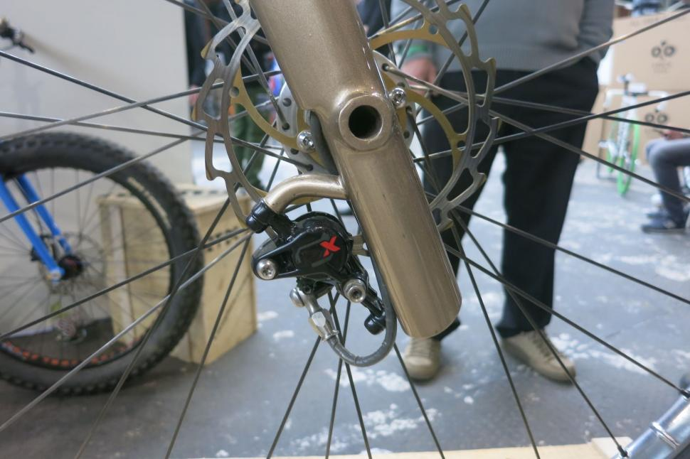 Bididu Righty - fork detail.jpg