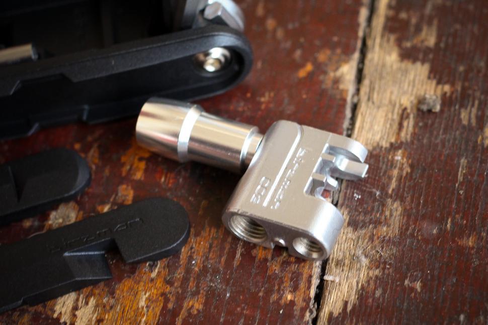 Birzman Diversity 17 Multi Tool - chain tool.jpg