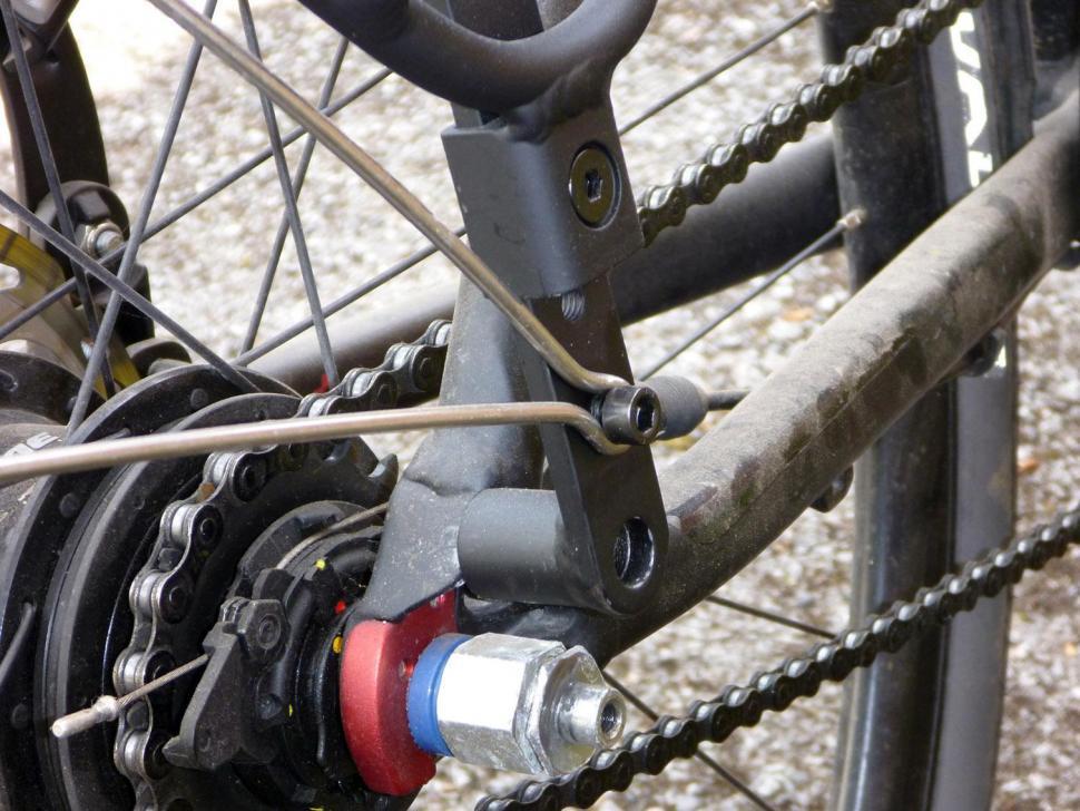 Blackburn Central Rear Rack - mount detail 2.jpg