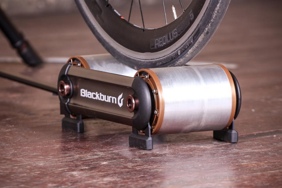 Blackburn Raceday Portable Trainer - wheel on roller 2.jpg
