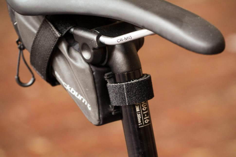 blackburn_grid_small_seat_bag_-_post_strap.jpg