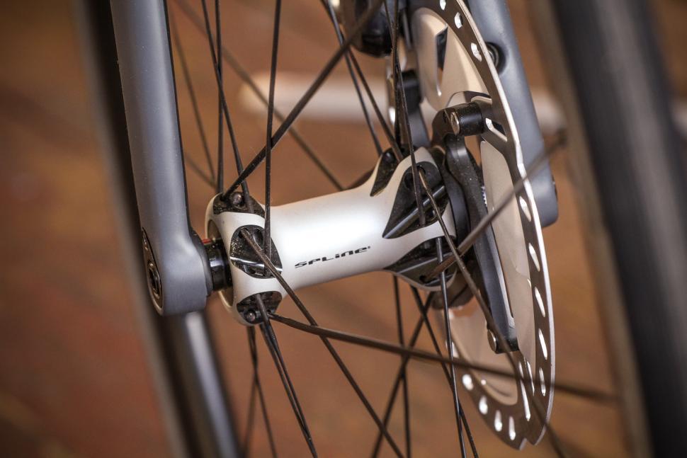 BMC SLR01 - front hub.jpg