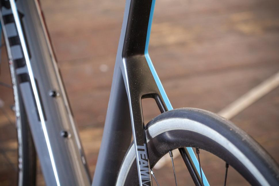 BMC SLR01 - stays.jpg