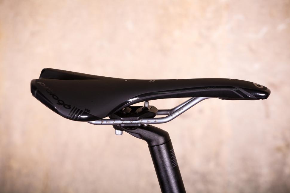 Boardman ASR 8.9 - saddle.jpg